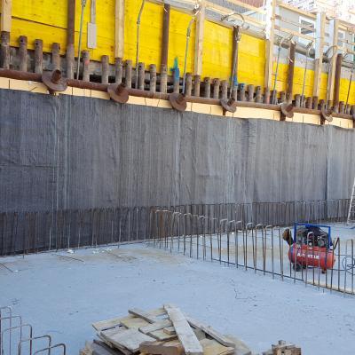 Rilievo verticale del telo bentonitico a rivestimento del successivo muro perimetrale della struttura sottoquota
