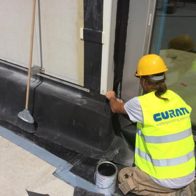 1^ fase del cantiere - Realizzazione di dettaglio di raccordo ai serramenti di facciata